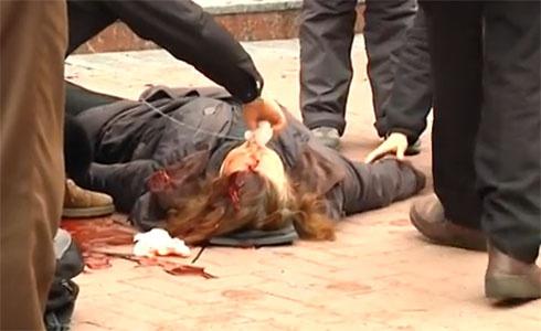 У Хмельницькому при штурмі СБУ стріляли в мітингувальників з бойової зброї - фото