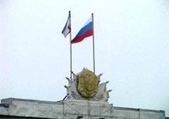 У Криму невідомі зі зброєю захопили Верховну Раду АРК та Раду міністрів півострова - фото