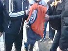 Сепаратисти у Донецьку спалили прапор ФК «Шахтар» [відео]