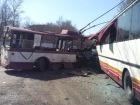 У Харцизьку зіткнулися тролейбус та автобус, є загиблі