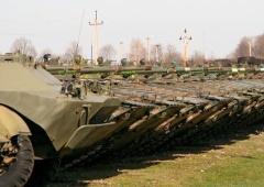 Понад 900 одиниць військової техніки виводиться з резерву на потреби армії - фото