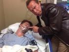 Шварценеггер «познущався» над сином у лікарні