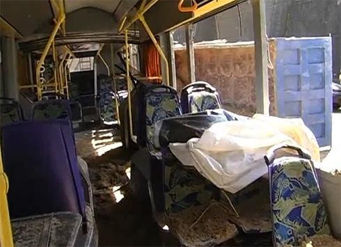 У Києві вантажівка зіткнулася з тролейбусом – постраждали 11 дітей - фото