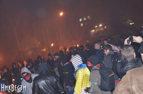 У Миколаєві сепаратистів прогнали від ОДА та розібрали їх наметове містечко - фото