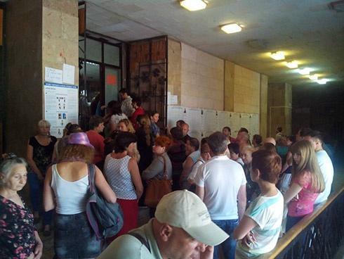 Кияни активно йдуть на вибори - фото