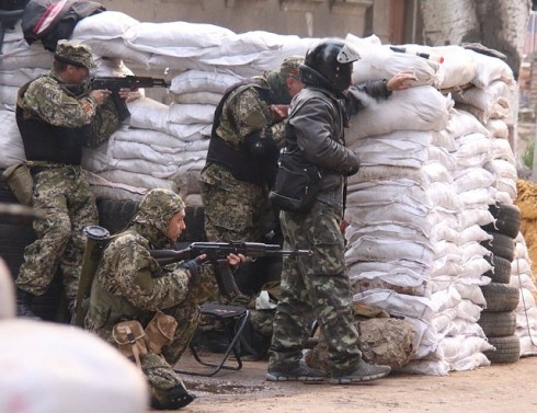Слов'янськ штурмують (доповнено) - фото
