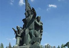 У Миколаєві СБУ затримала двох радикалів, які планували 9 травня підірвати ветеранів - фото