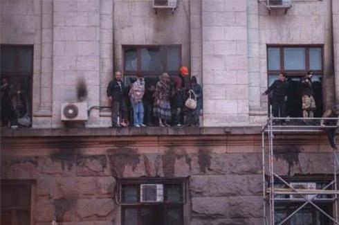 У пожежі в домі профспілок в Одесі більшість людей загинуло від хлороформу – МВС - фото