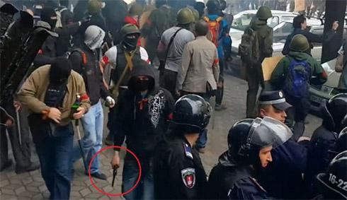 В Одесі масова бійка, сепаратисти вбили кількох людей - фото