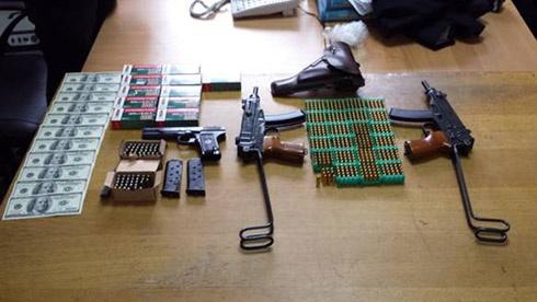 З Києва на Схід України постачали зброю та вибухівку для терористів - фото