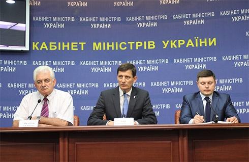 ЗНО-2014 у Луганській та Донецькій областях перенесено на липень - фото