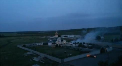 400 терористів штурмують Луганський прикордонний загін - фото