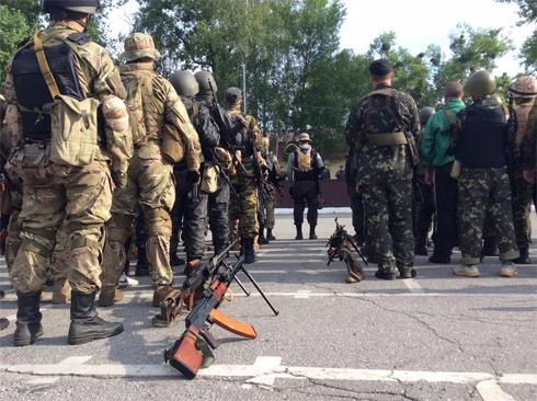 До бойових постів навколо Слов'янська прибув другий батальйон Нацгвардії - фото