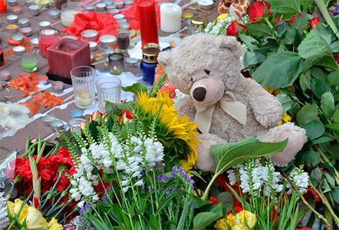 Об 11-ій на Майдані відбудеться панахида за загиблими - фото