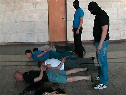 У Харкові затримано групу осіб, які, координуючись з ЛНР, вербували людей до бандформувань - фото