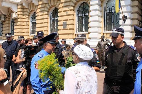Одеським міліціонерам показали як насправді виглядає укріп - фото