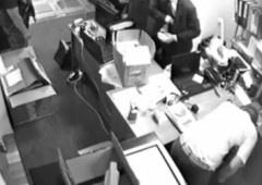 У Києві міліція Печерського райвідділу та співробітники прокуратури обікрали ювелірний магазин на 1,2 млн євро - фото