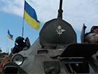 Українські десантники ведуть оборонний бій з російським танковим батальйоном за аеропорт «Луганськ»