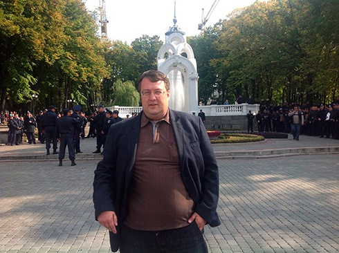 Затримано 20 організаторів «Маршу миру» у Харкові, серед них – екс-нардеп-комуніст - фото