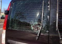 На окрузі, де балотується Олесь Довгий, тітушки напали на журналістів - фото