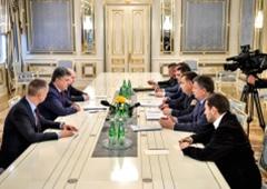 Президент доручив звільнити заступників Яреми та Авакова - фото