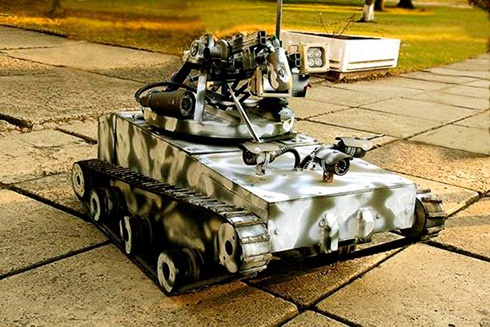 Унікальний танк півметра заввишки передано в зону АТО - фото