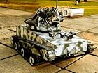 Унікальний танк півметра заввишки передано в зону АТО
