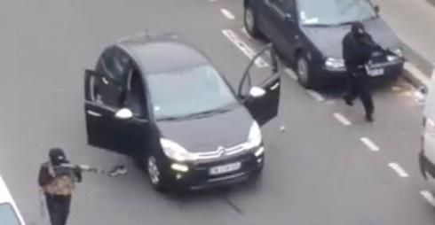 Теракт у Парижі: 12 загиблих - фото