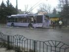 У Донецьку терористи обстріляли тролейбус, 13 загиблих