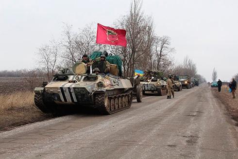 Сили АТО розпочали відведення артилерійських систем від лінії бойового зіткнення - фото