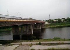 У Павлоград намагалися підірвати міст - фото