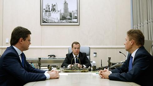 Медведєв озвучив ціну на газ для України на III квартал - фото