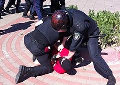 Міліція розповіла про бійку на гей-параді - фото