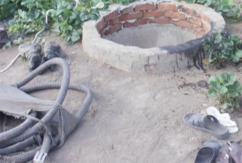 На Херсонщині в каналізаційному колодці загинуло троє людей - фото