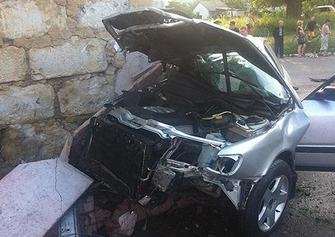 На Кіровоградщині нетверезий водій збив дітей на тротуарі - фото