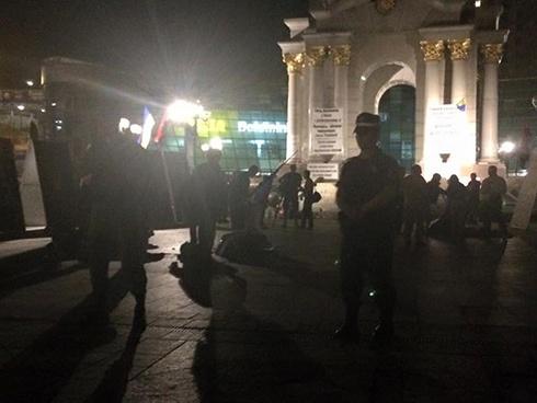 На Майдані Незалежності знесли намети - фото