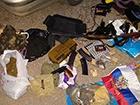 Терористи «ДНР» приховали 12 кг пластиду та зброю