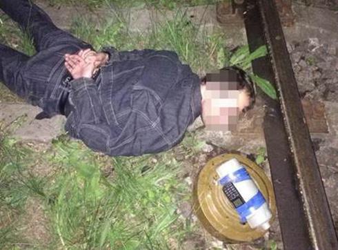 У Харкові під час закладення вибухівки затримали диверсанта - фото