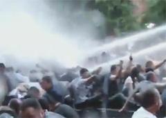 В Єревані на світанку розігнали протестувальників - фото