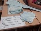 Декого вибори у Чернігові «дістали»: чоловік отримав й відразу розірвав бюлетень