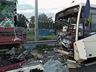 На Полтавщині автобус з військовими потрапив в аварію, є загиблий