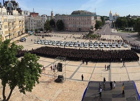 На вірність Україні склали присягу перші 2 тисячі поліцейських - фото