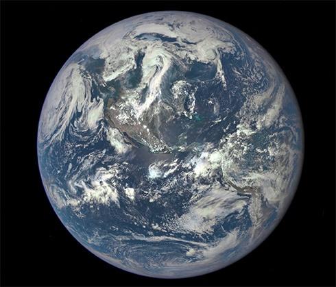 NASA показала високоякісний знімок Землі - фото