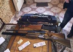 СБУ знайшла зброю у тих, з ким виник конфлікт у Правого сектора в Мукачевому - фото