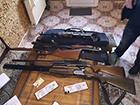 СБУ знайшла зброю у тих, з ким виник конфлікт у Правого сектора в Мукачевому