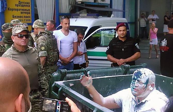 В Одесі провели «сміттєву люстрацію» проросійського чиновника - фото