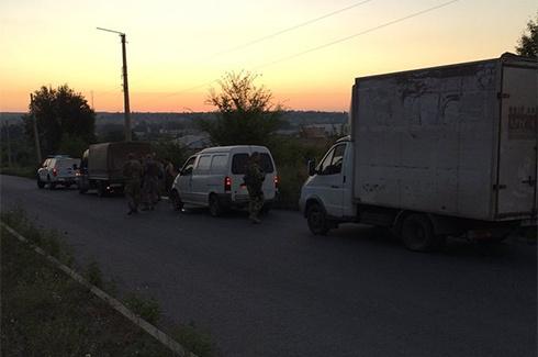 Вночі на Донбасі затримали 30 тонн контрабанди - фото