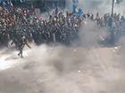 Під ВР сталися сутички, в міліцію кинули гранату