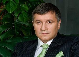 Аваков судитиметься, аби НЕ розмовляти українською - фото