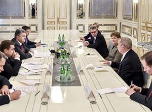 Чергові фантазії бойовиків про псевдовибори можуть обернутися черговими санкціями для Москви, - Порошенко - фото